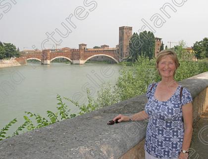 LG 0954 